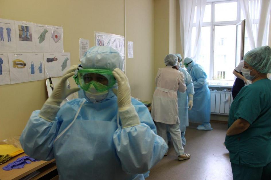 коронавирус россия врачи медики - GuildHall